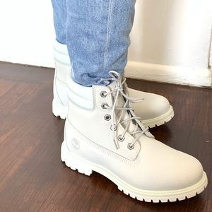 Timberland white 6 inch collar boots size 8 NEW